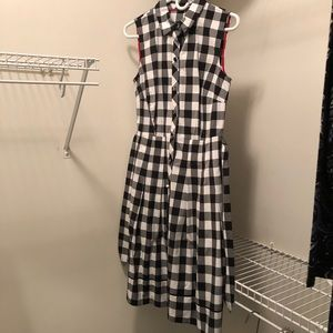 Sleeveless checked dress